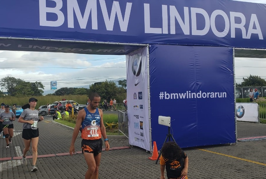 «El Tigre» se impuso en la 8° edición de la BMW Lindora Run.