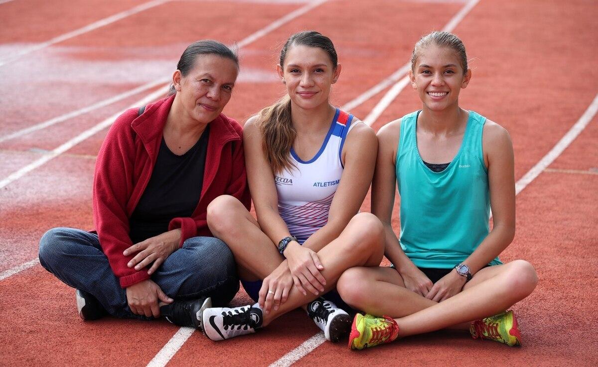 Madre de Andrea y Noelia Vargas, postulada para la mejor entrenadora de América.