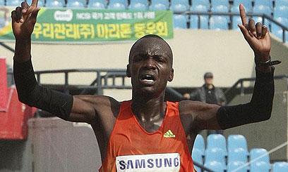 El keniano, Nixon Kiplagat, buscará romper el récord  en la Maratón San José.
