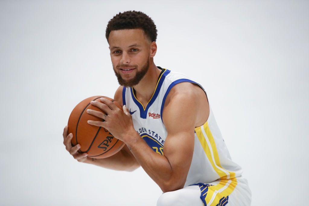 Aseguran que fractura de Steph Curry es más grave y se perdería toda la temporada.