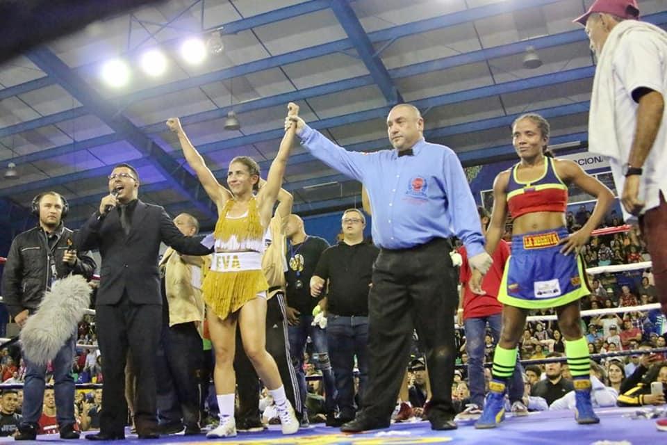 Yokasta Valle cumplió en casa derrotando a la venezolana Yennifer León en una pelea pareja en el BN Arena.