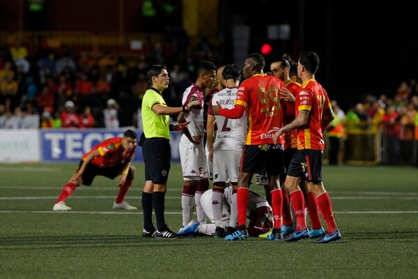 Herediano recibió las mayores sanciones y multas tras la ida de las semifinales.