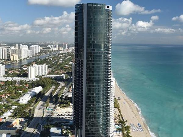 Messi compra lujoso apartamento en Miami con ascensor para automóviles y vista al mar.