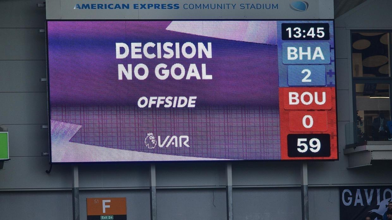 VAR sólo se usará en Inglaterra contra los errores «claros y evidentes» de los árbitros