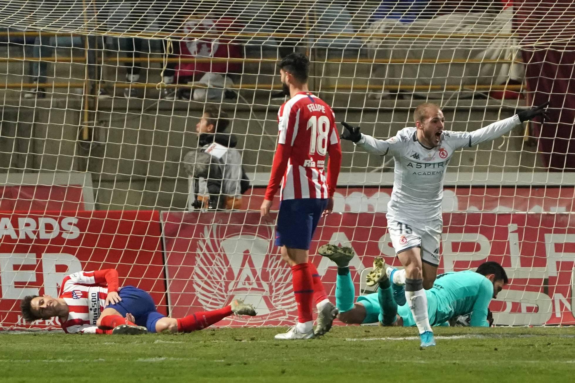 ¡Papelón! Equipo de tercera división eliminó al Atlético de Madrid de la Copa del Rey.