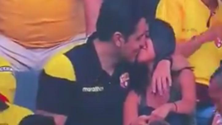 """Hombre que fue descubierto por la Kiss Cam en medio de una infidelidad: """"Destruyeron mi relación, ¿qué más quieren?"""""""