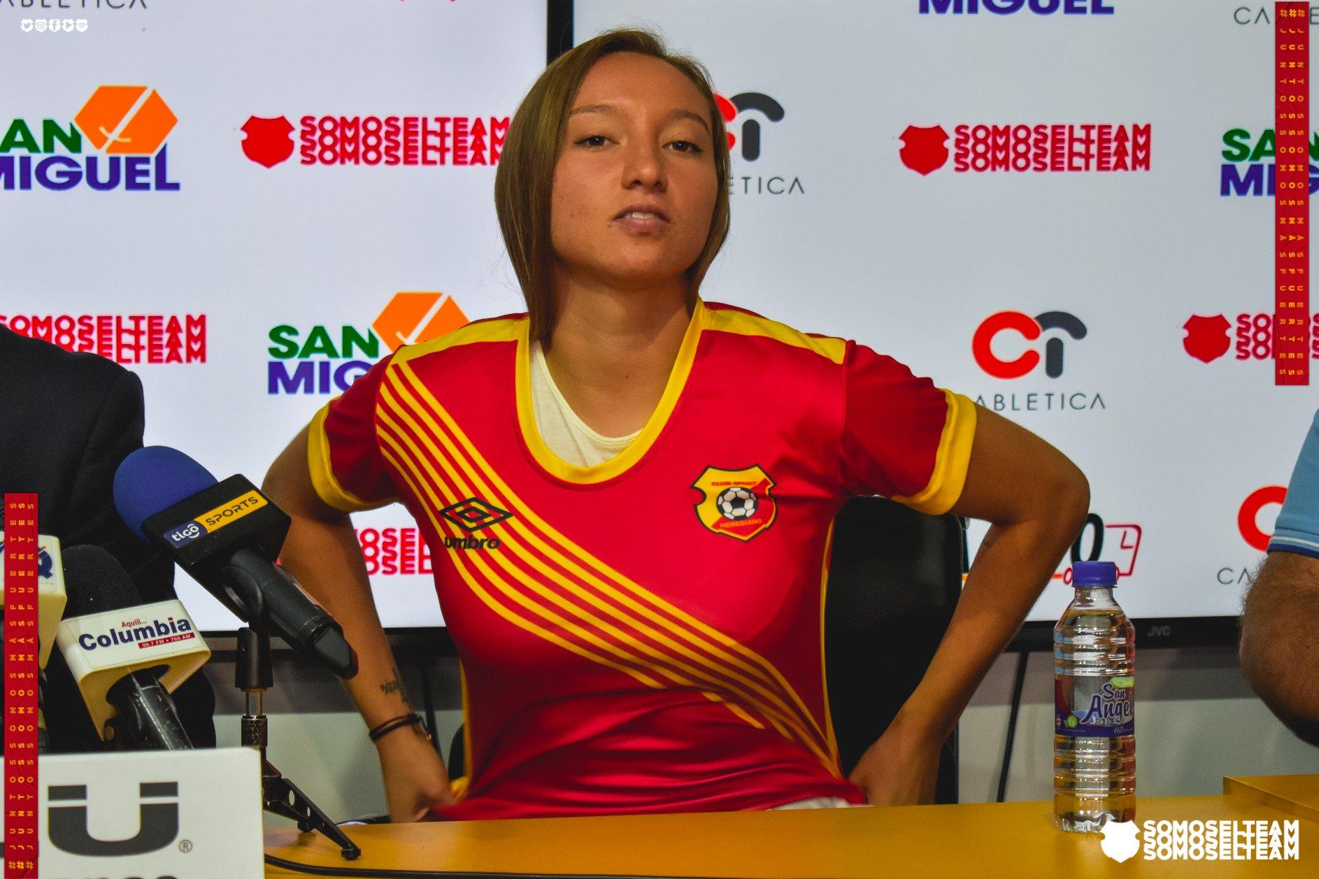Gloriana Villalobos firma por un año con el Herediano Femenino