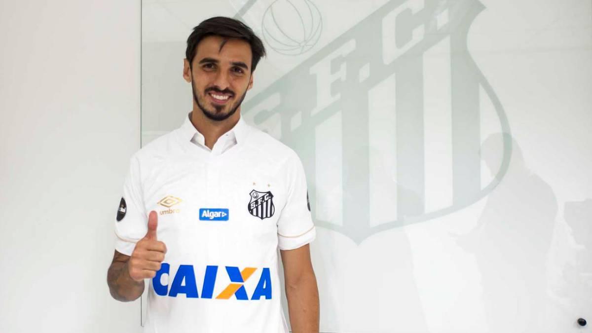 Negativa de Ruiz por rescindir contrato, provoca que lo envíen a entrenar con el equipo B del Santos.
