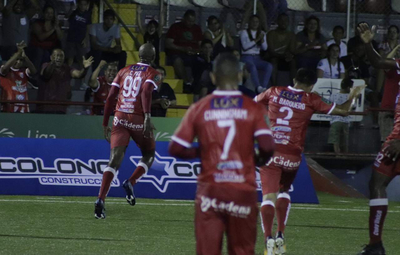 Santos se impuso ante Grecia en Guápiles.