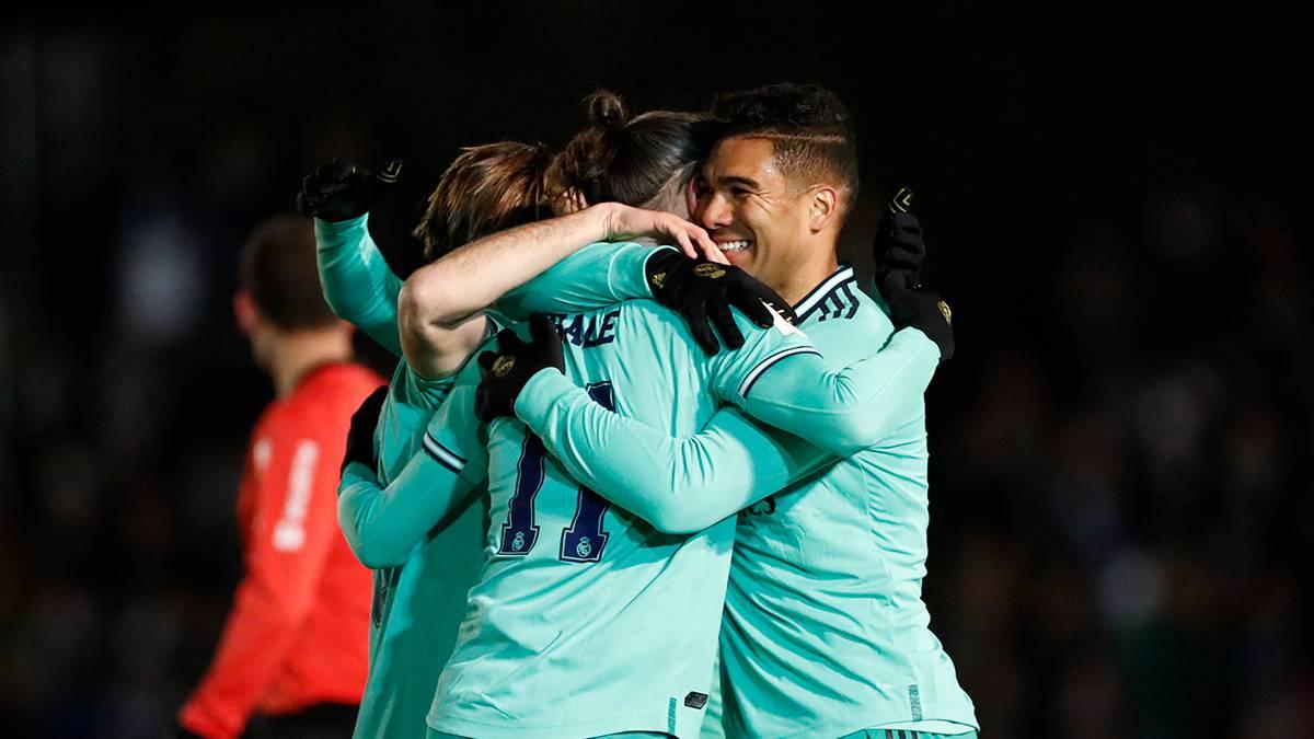 Barcelona y Real Madrid pasaron con apuros a octavos de final de la Copa del Rey.