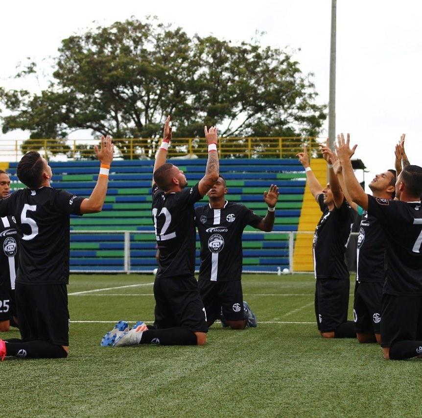 Sporting FC aplastó a Guanacasteca y jugará la final del Clausura ante Escazuceña.