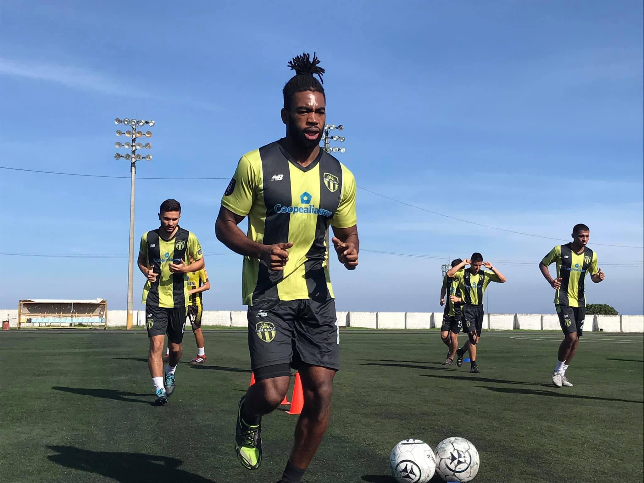 Uruguay de Coronado anunció la salida de 8 futbolistas.