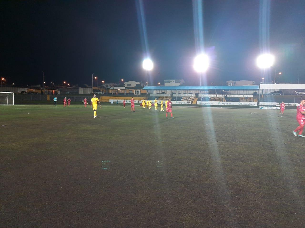 Puerto Golfito derrotó a Aserrí en partido adelantado de la jornada 1 de la Liga de Ascenso.