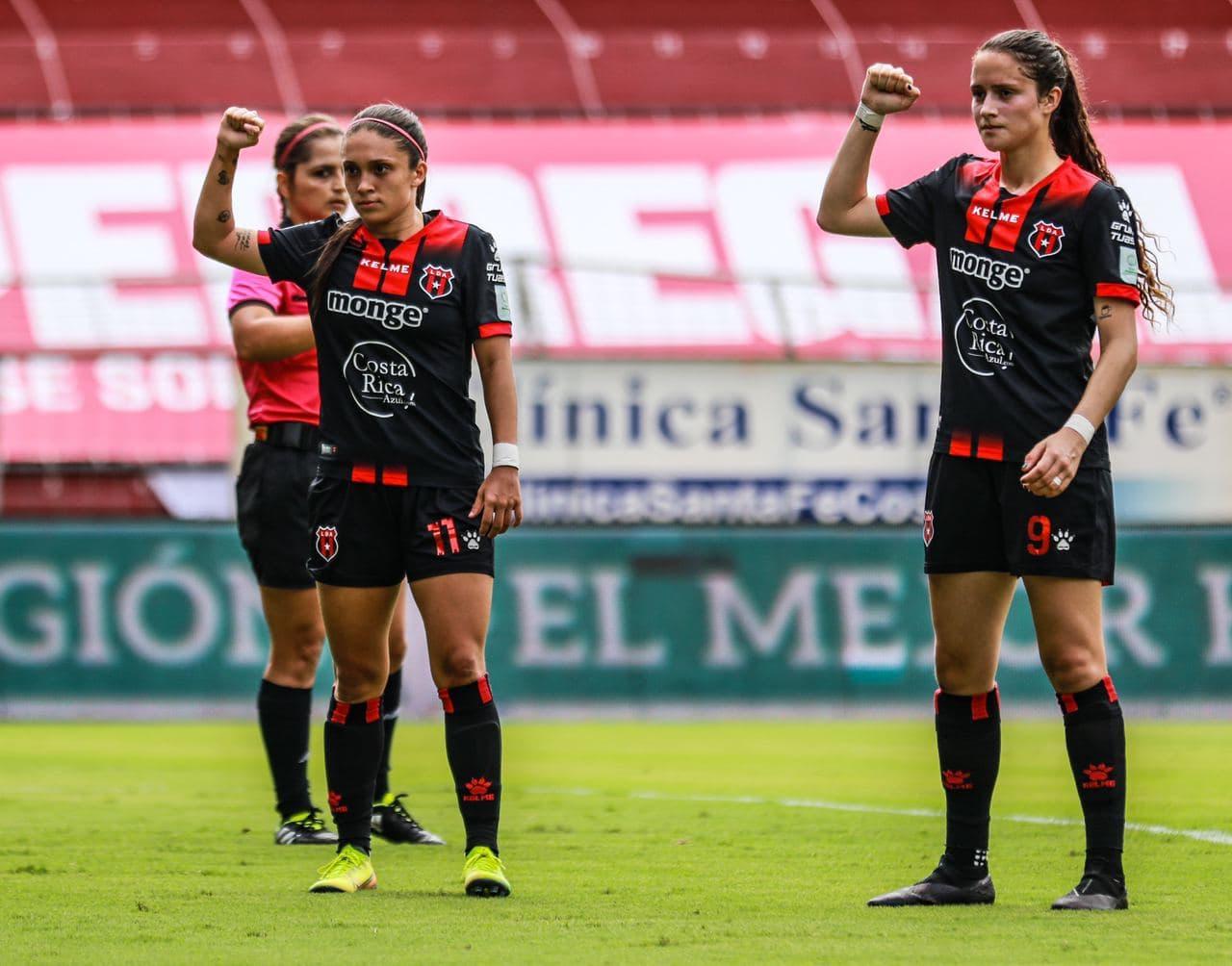 """Alajuelense retomó provisionalmente la punta en la Liga Femenina tras propinarle """"una manita"""" de goles a Coronado."""