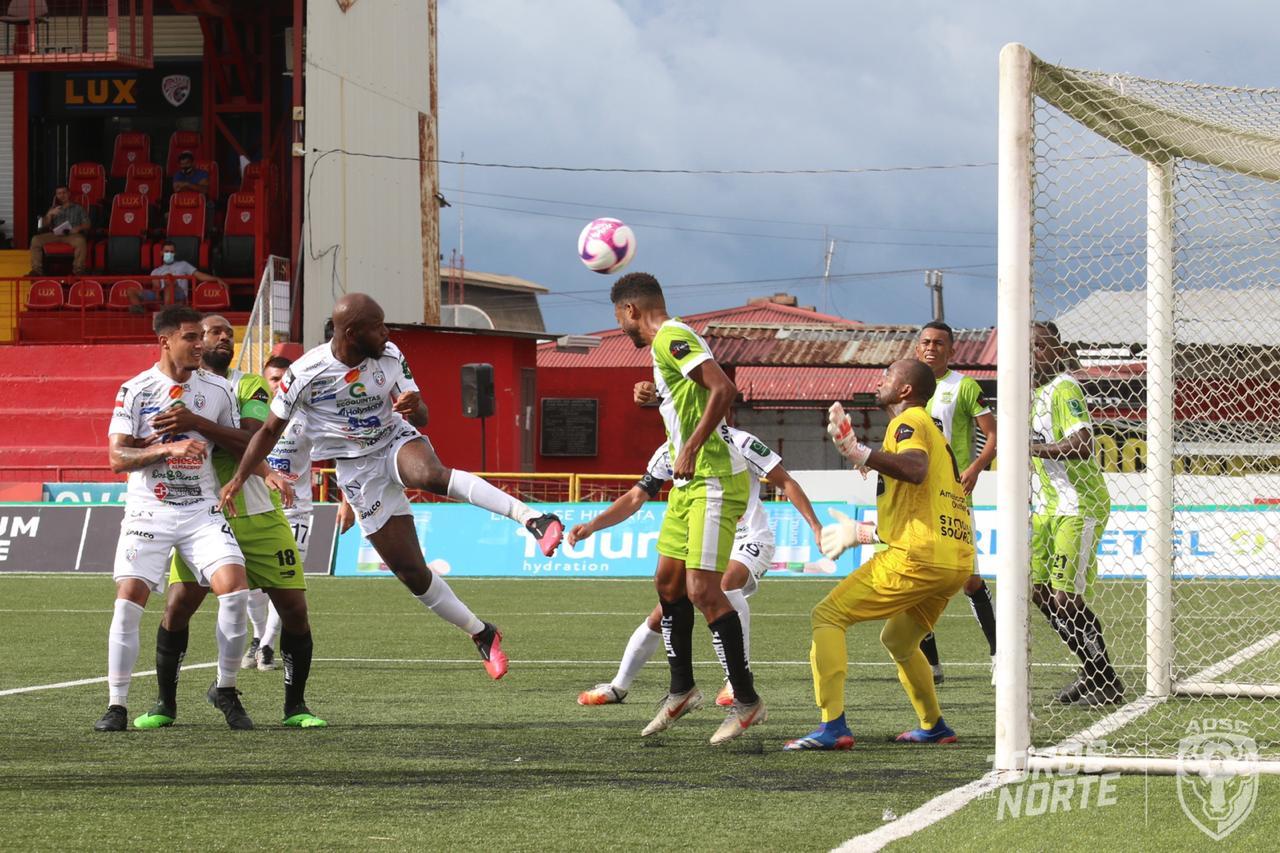 Sanciones tras juego de reposición entre Limón FC y San Carlos.