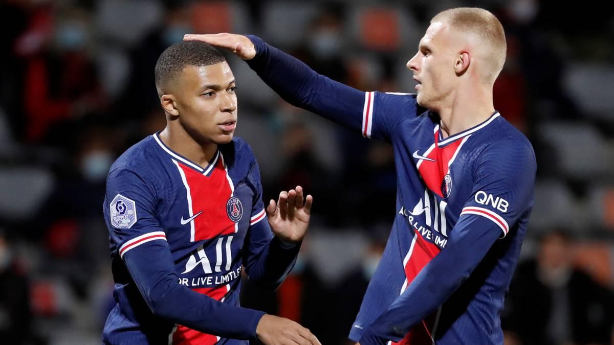 Con doblete de Mbappé, el PSG goleó al Nîmes y es líder en Francia.