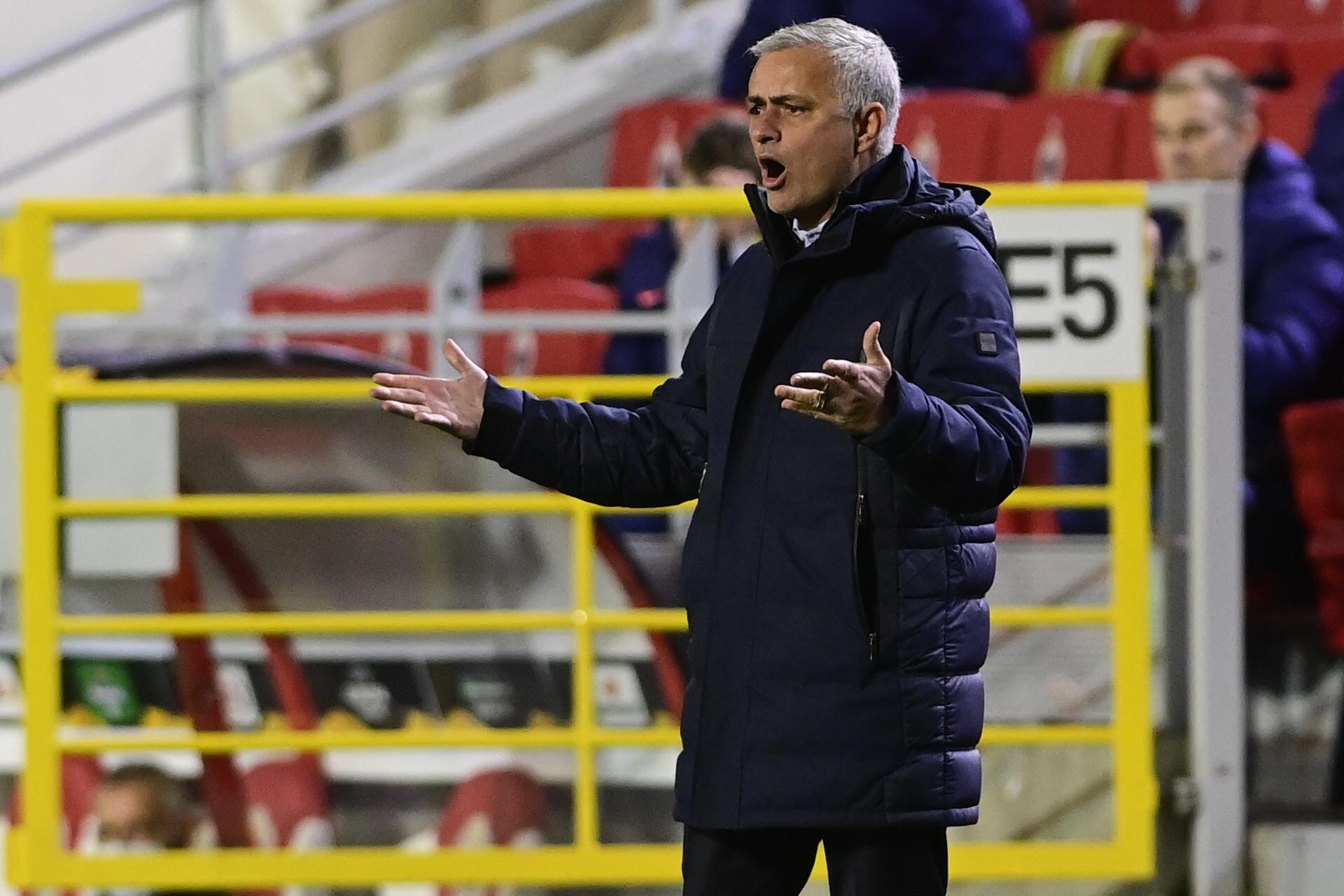 """Mourinho tras la derrota del Tottenham por la Europa League: """"Me habría gustado hacer 11 cambios"""""""