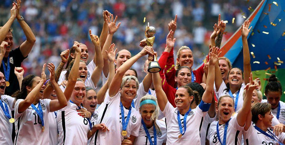 """FIFA anunció """"reformas históricas"""" para fortalecer la protección a la maternidad de las jugadoras y apoyar a los entrenadores."""