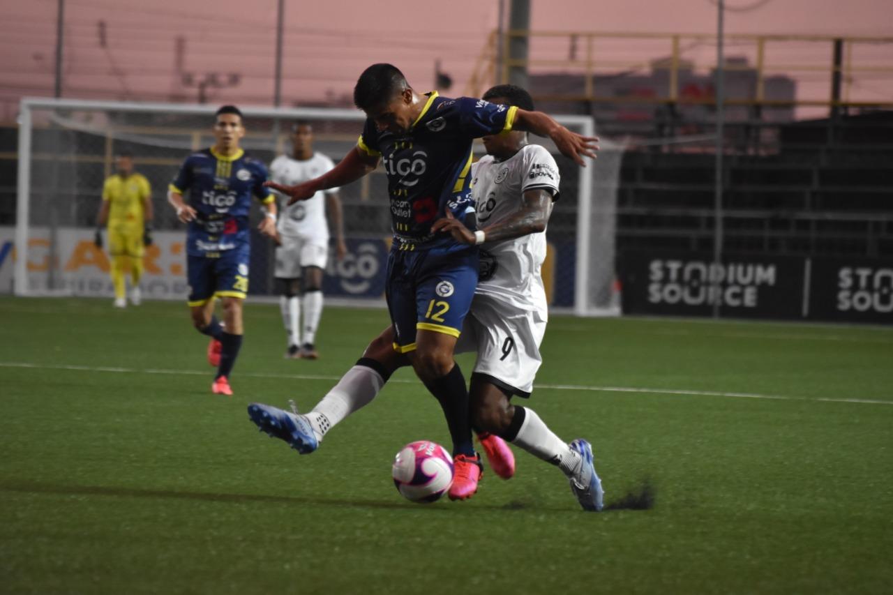 """Guadalupe FC y Sporting FC se hicieron daño tras empatar en el """"Colleya"""" Fonseca."""