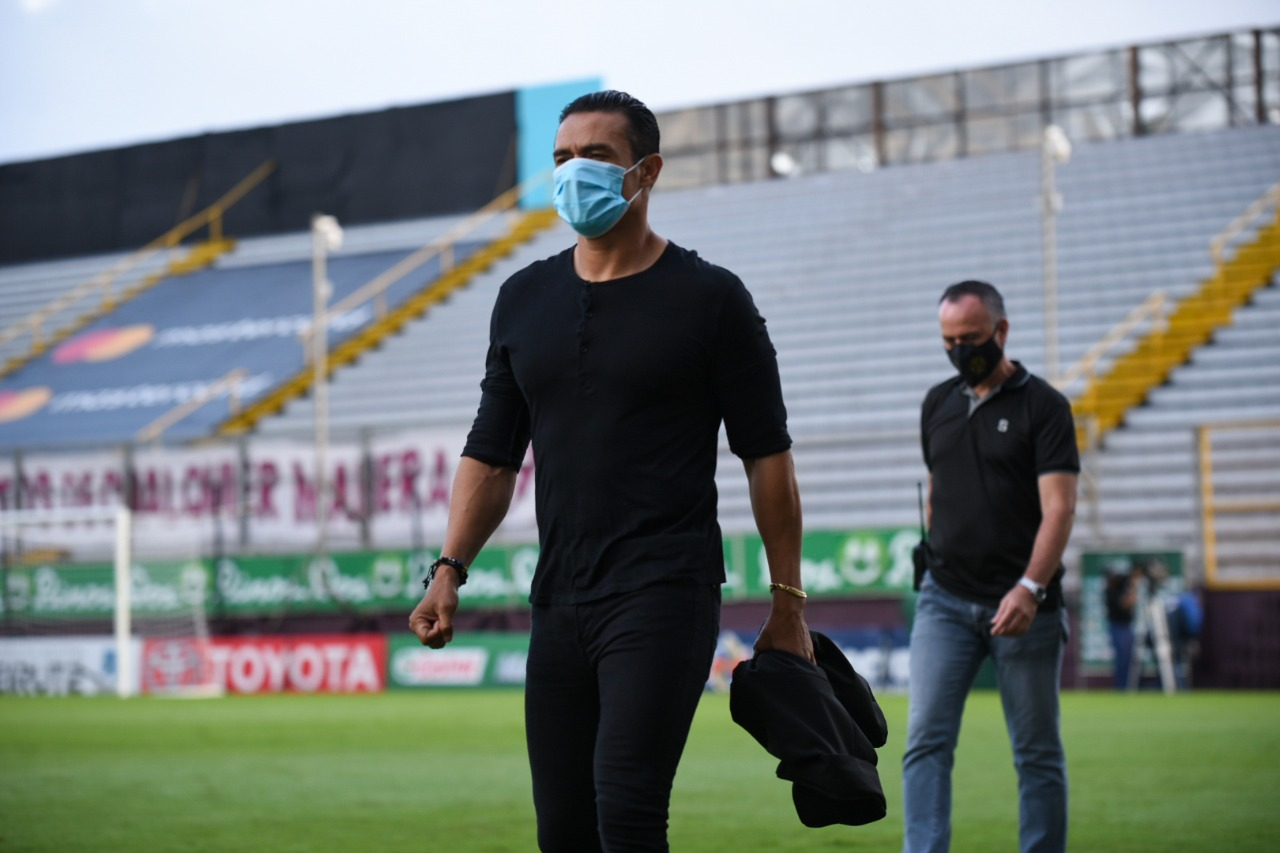 """Walter Centeno: """"Llegaron los goles, pero aún estamos en deuda porque no estamos clasificados""""."""